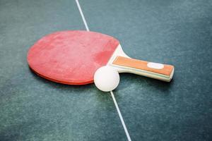 raquete de bola e tênis foto