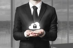 empresário, servindo, gesto, nuvem, segurança foto