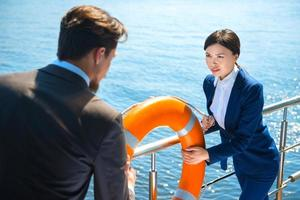 conceito para equipe jovem empresarial moderno foto