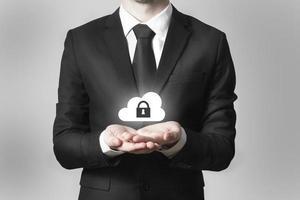 empresário, servindo, gesto, nuvem, segurança, símbolo foto