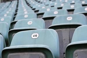 assentos azuis vazios foto