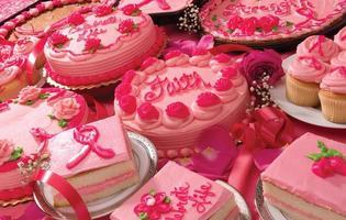 celebração de bolos de câncer de mama foto