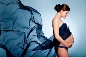 jovem grávida foto