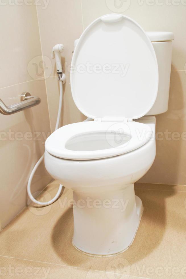geduldiges Badezimmer im Krankenhaus foto
