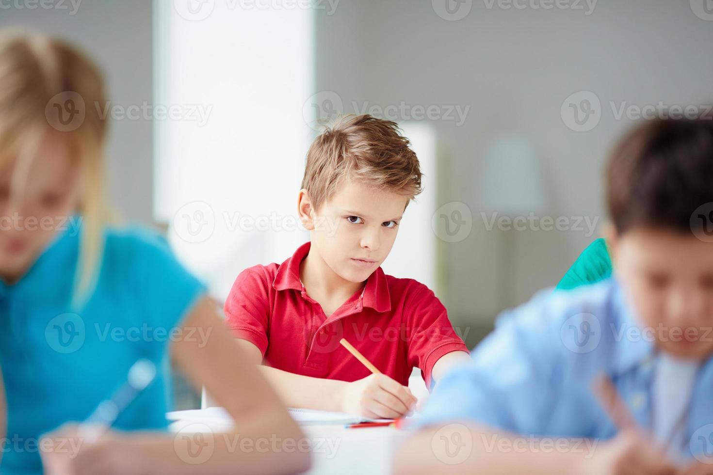ernsthafter Schüler foto