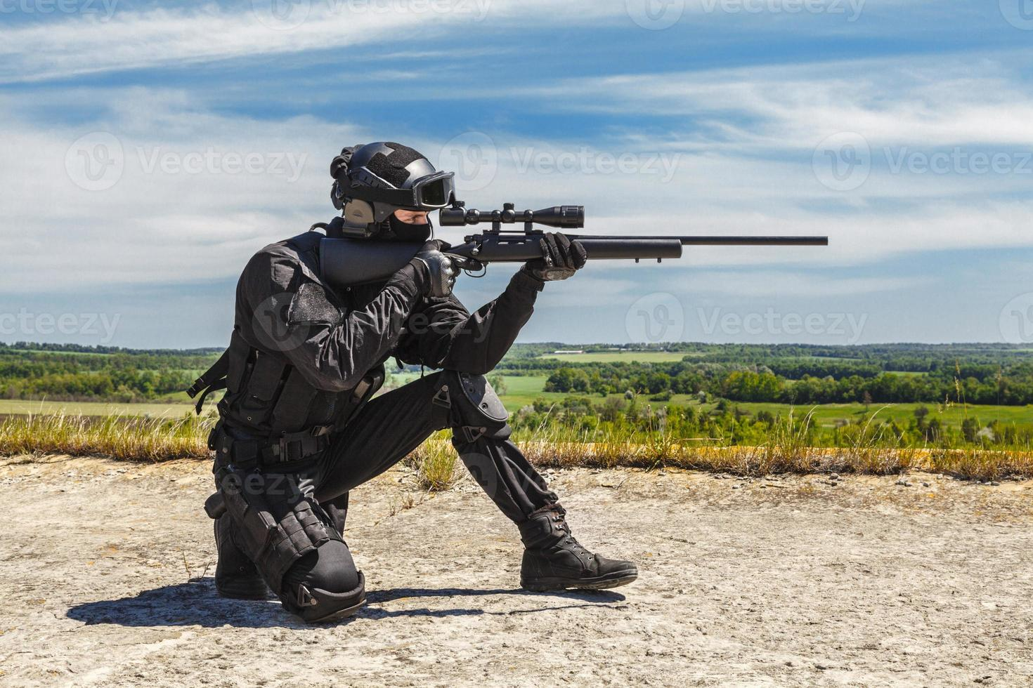 Polizeischarfschütze in Aktion foto