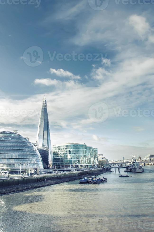 Londons modernes Stadtbild mit dem höchsten Gebäude der Scherbe, Vintage foto