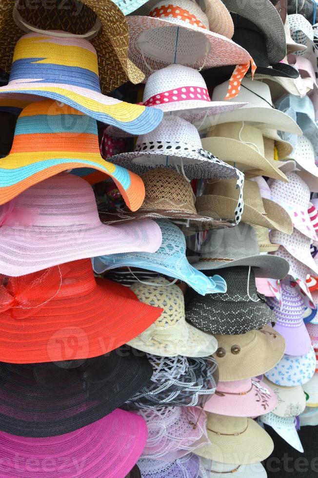 Haufen Hüte foto