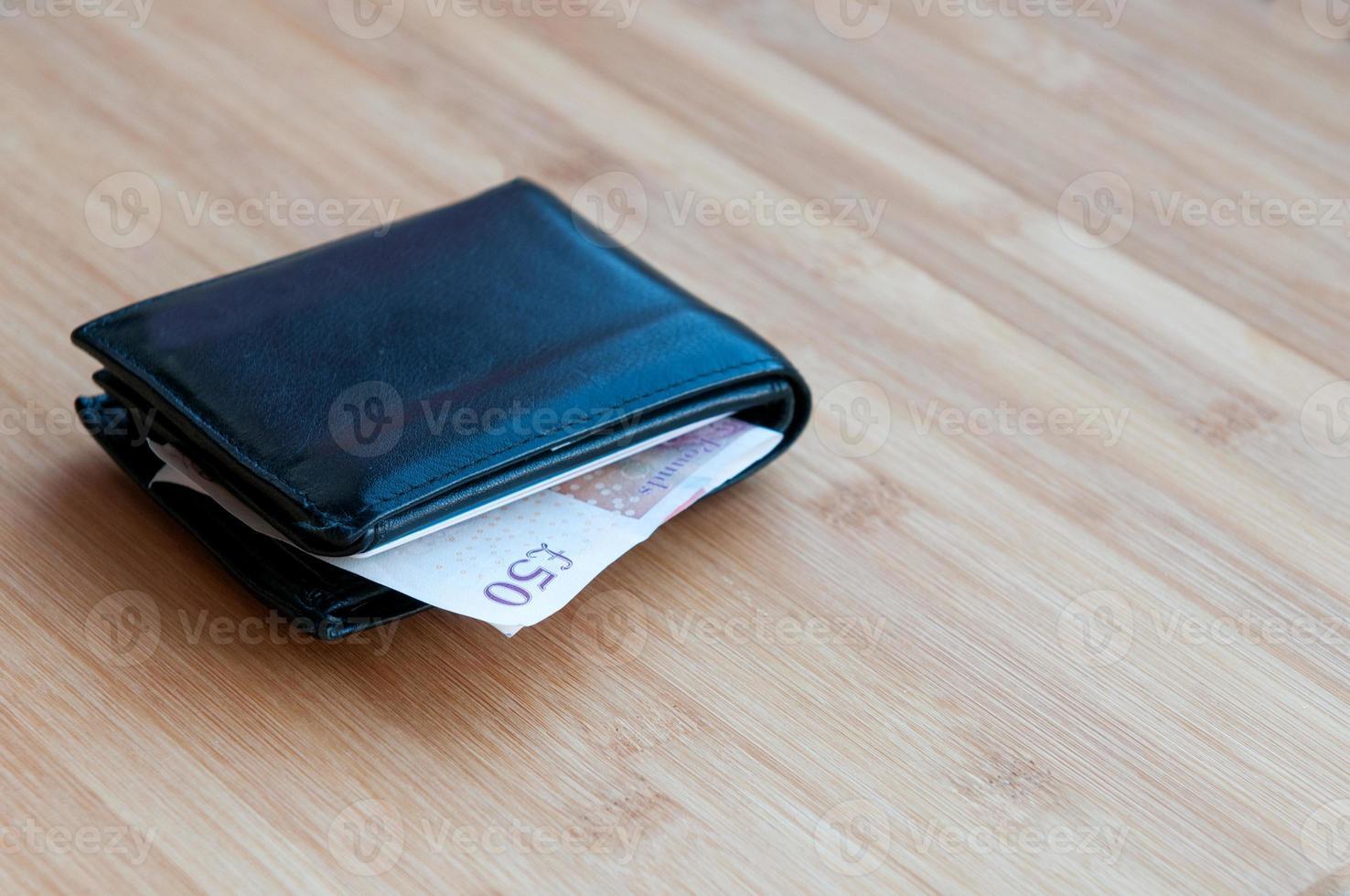 Brieftasche mit britischer Pfundnote. foto