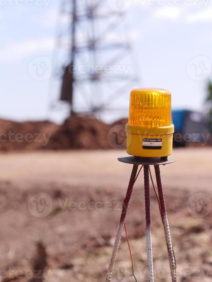 Warnleuchte auf der Baustelle foto