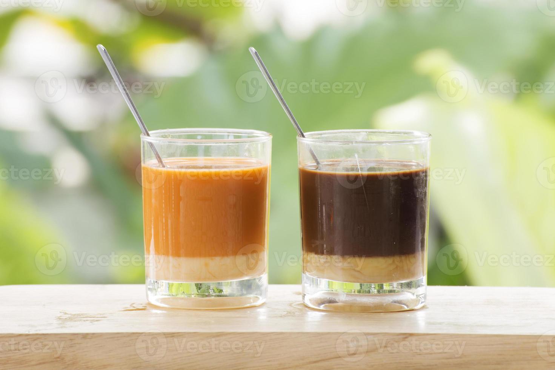 Glas thailändischen Tee und Kaffee foto
