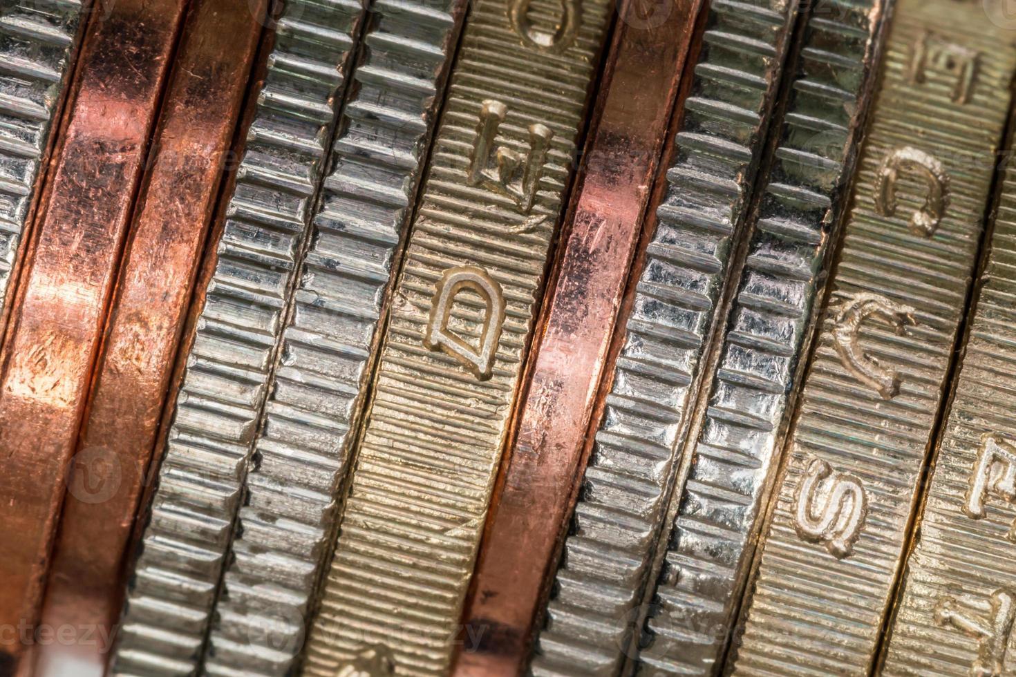 Stapel britischer Münzen foto