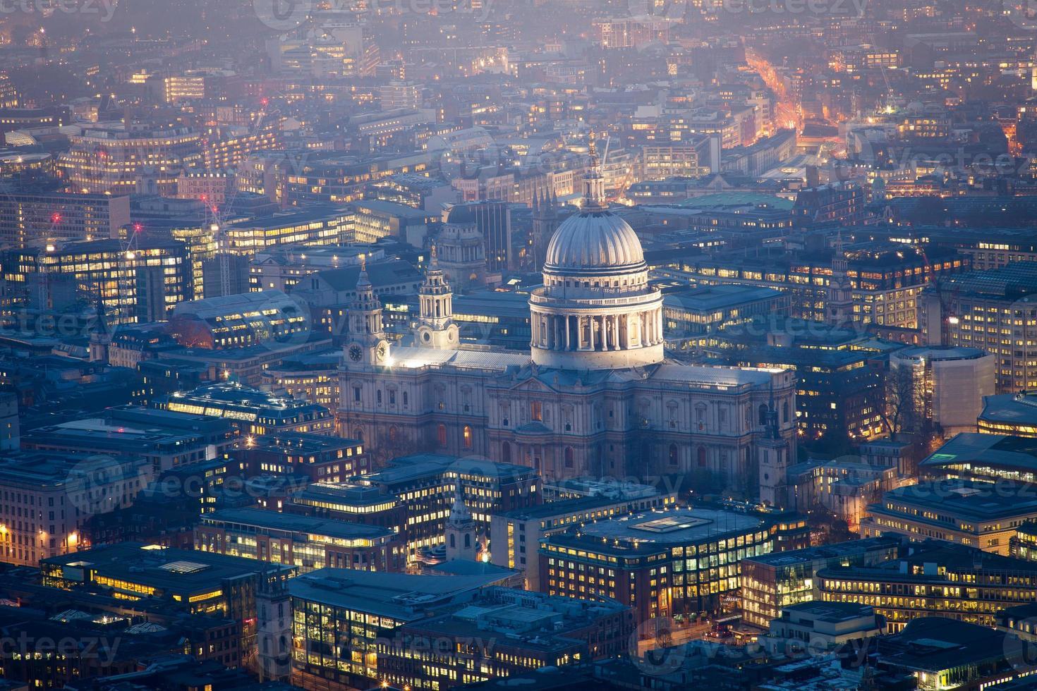 st. Draufsicht auf die Kathedrale von Paul, London England, Großbritannien foto