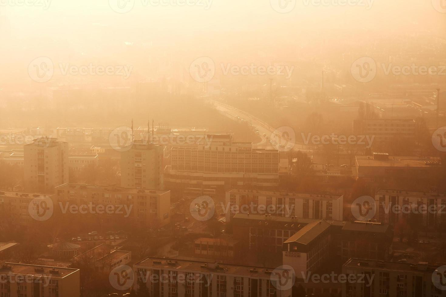 Stadt im Smog foto