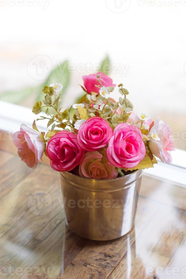 schöne künstliche rosa Blüten foto