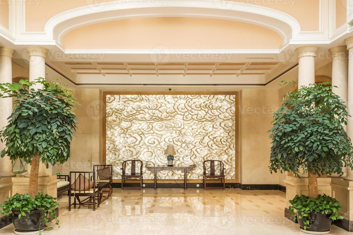 modernes Hotel Interieur und Korridor foto