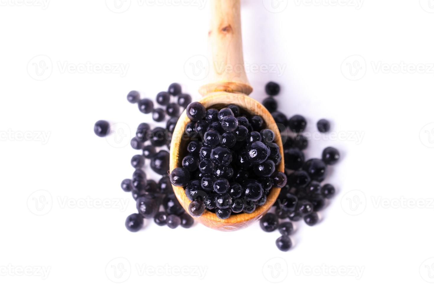Kaviar in einem Löffel foto