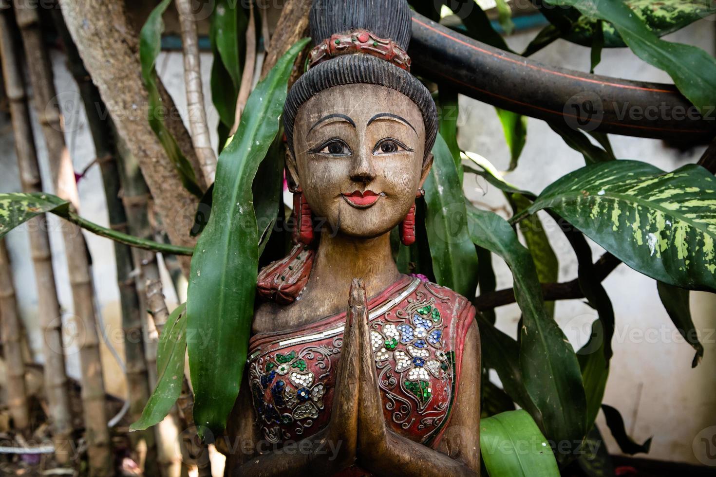 Skulptur der asiatischen Frau in Thailand foto