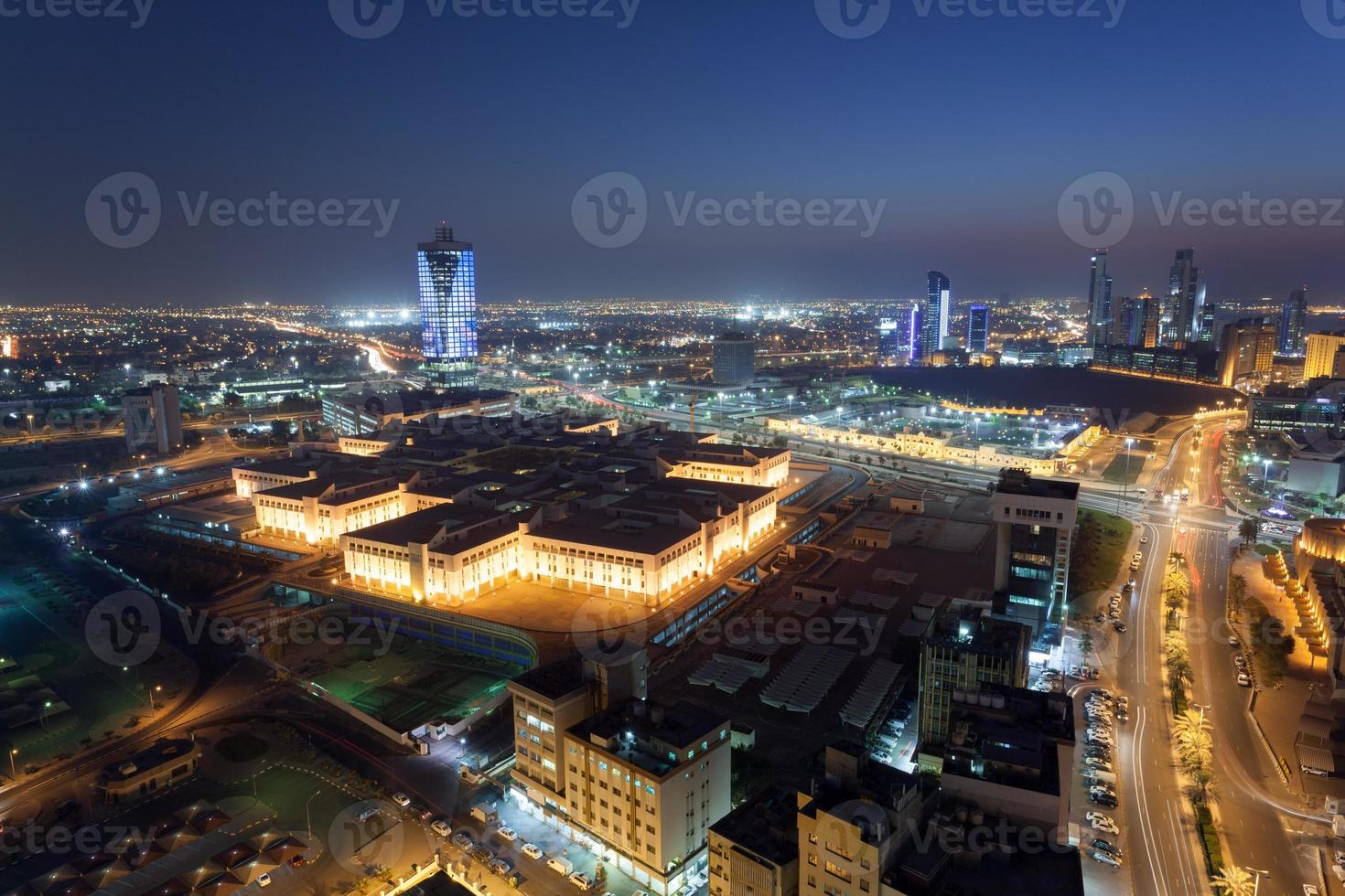 Kuwait Stadt in der Nacht foto