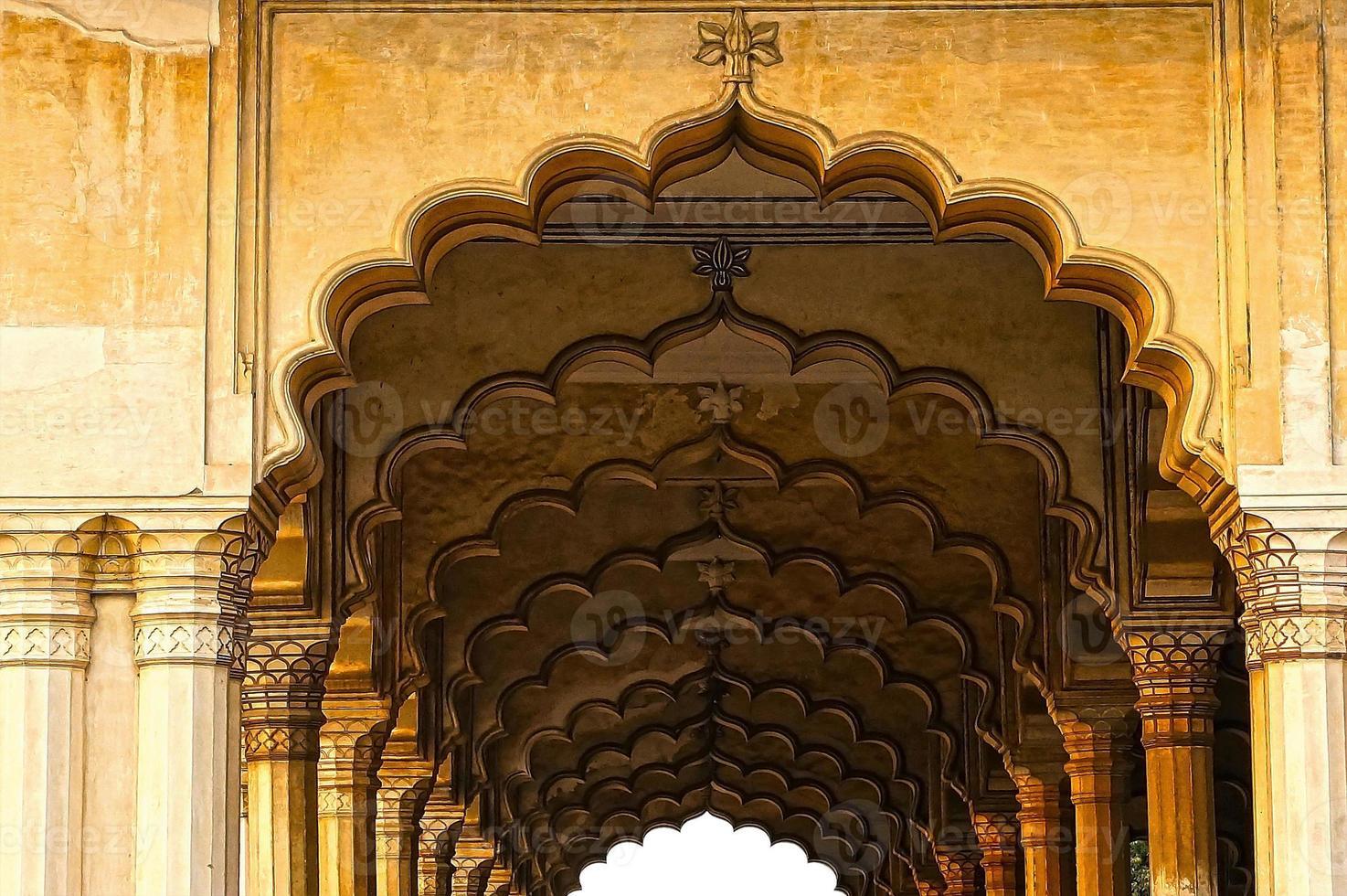 Säulenhalle in roter Festung. Agra, Indien foto