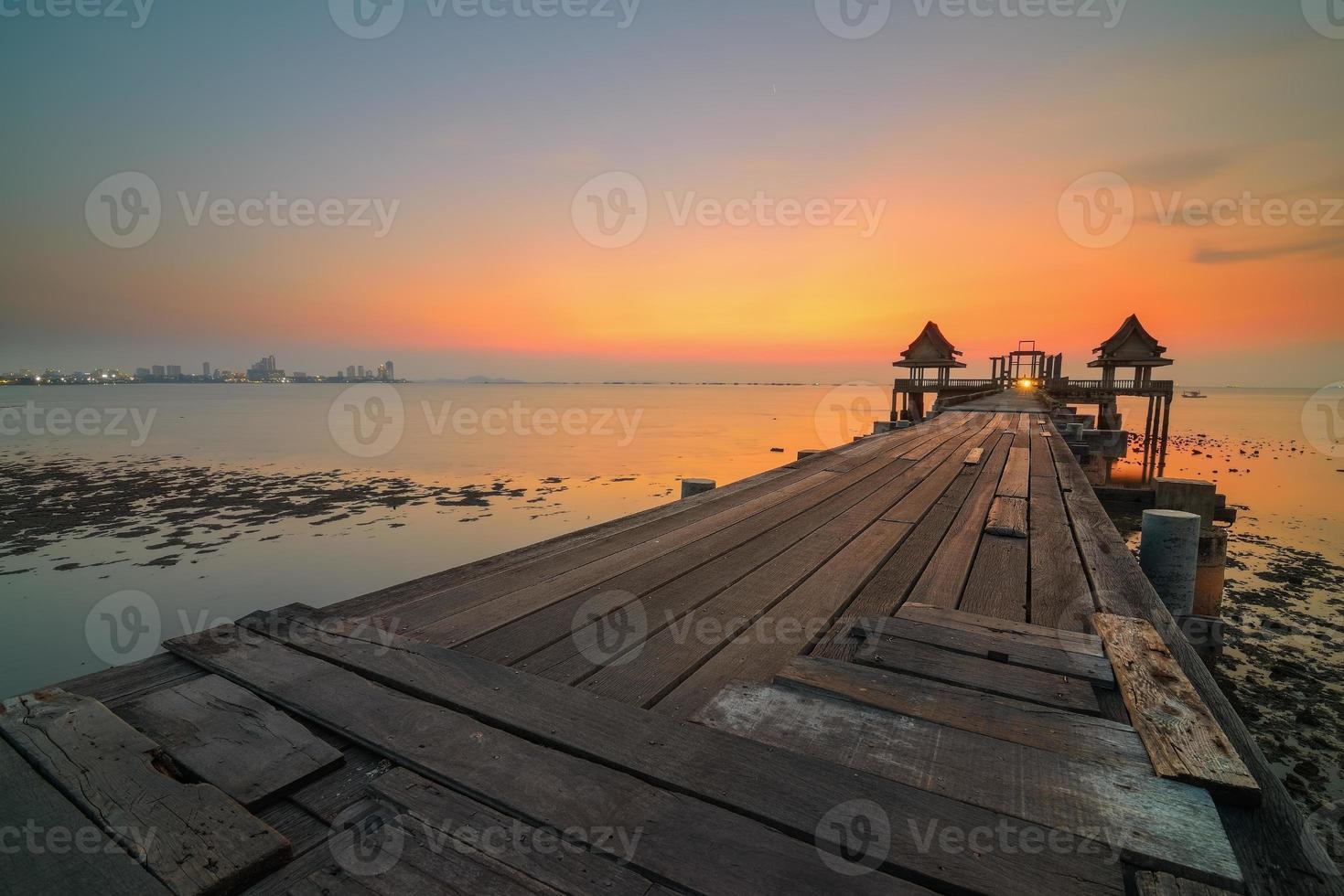 Brücke altes Meer foto