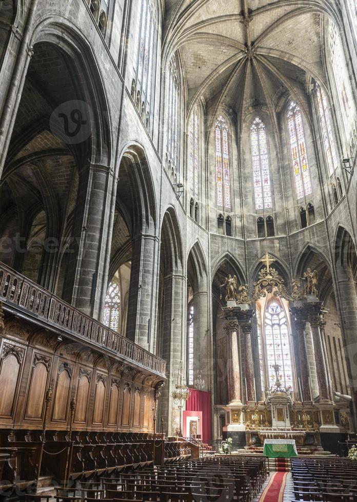 Narbonne, Innenraum der Kathedrale foto