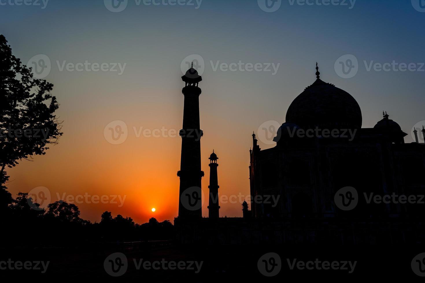 Silhouette von Taj Mahal foto