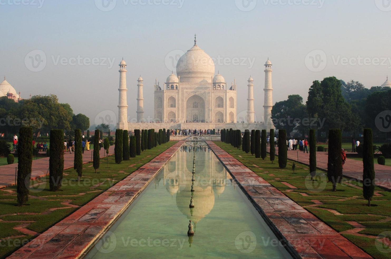 der Taj Mahal Tempel im Morgengrauen, Agra, Indien foto