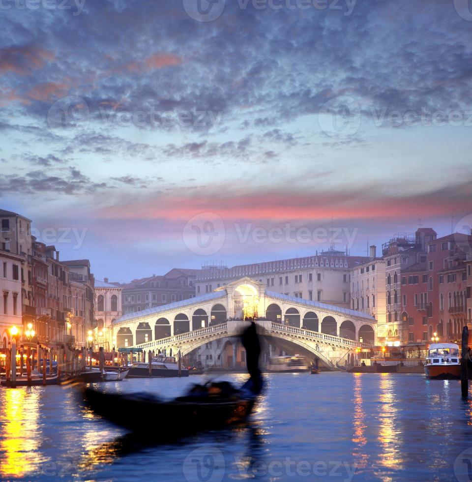 Venedig mit Gondoliere in Italien foto