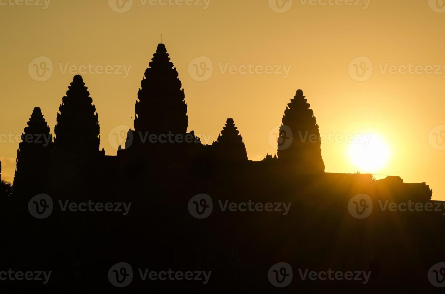 Silhouette von Angkor Wat foto