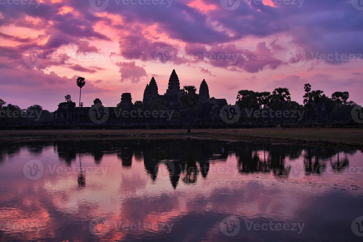 Angkor Wat bei Sonnenaufgang, Siem Reap, Kambodscha foto