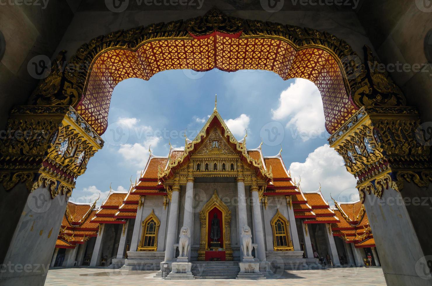 Wat Benjaminamophit - der Marmortempel in Bangkok, Thailand foto