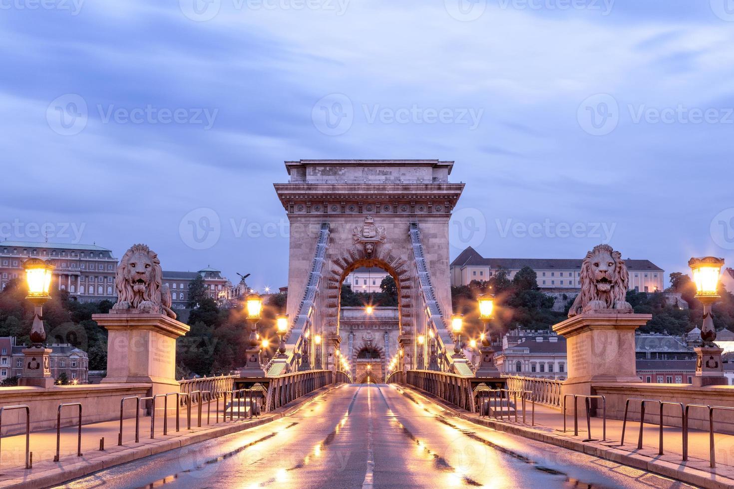 leere Kettenbrücke Budapest foto
