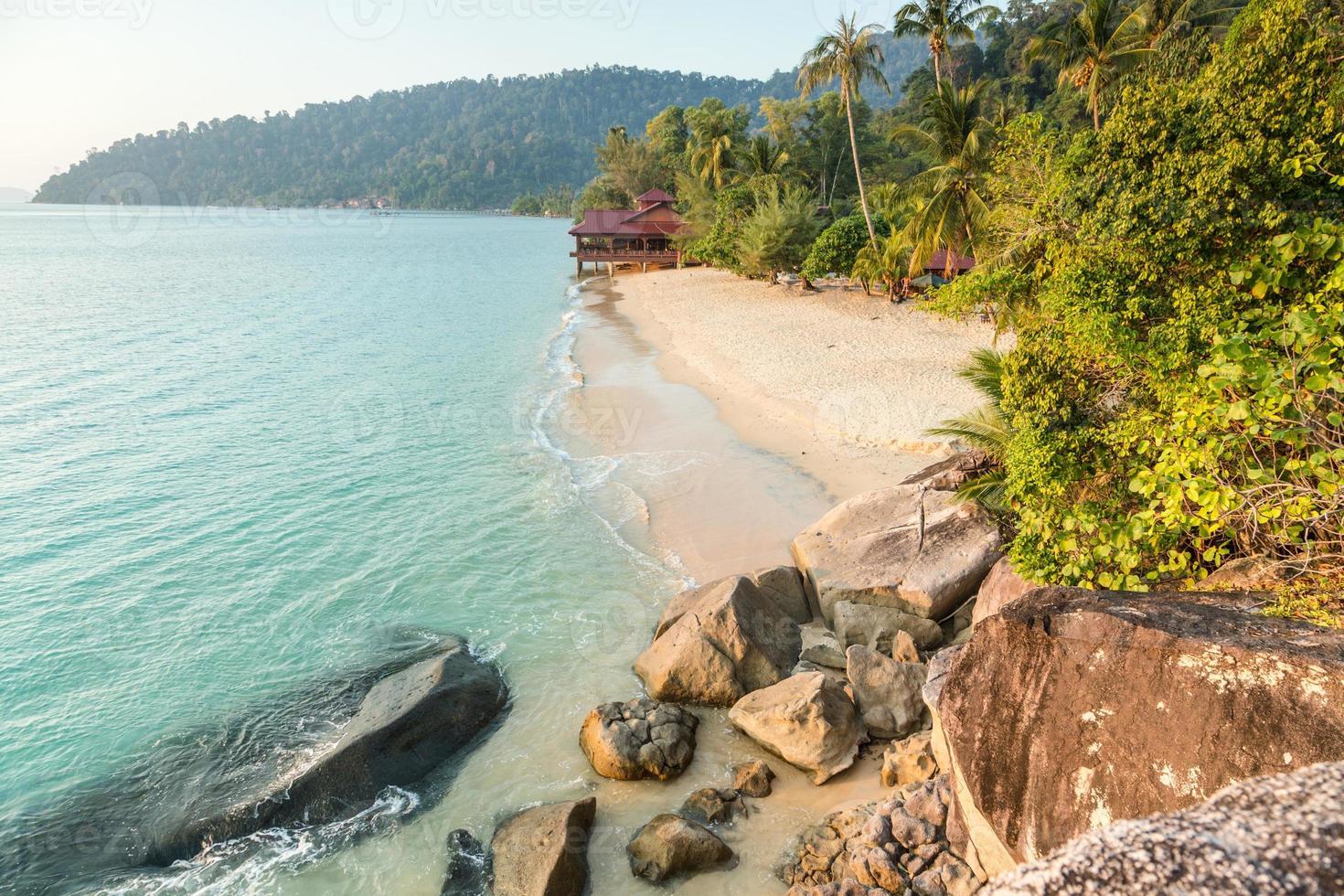 einsamer Strand auf Pulau Tioman, Malaysia foto