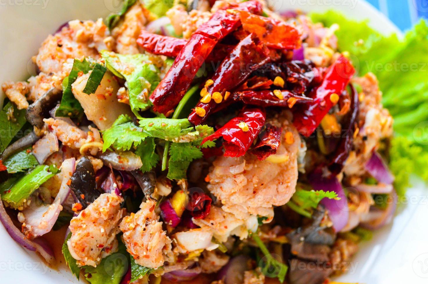 """Thailand Dieses Essen wird """"Larb Pla Kang"""" genannt. foto"""