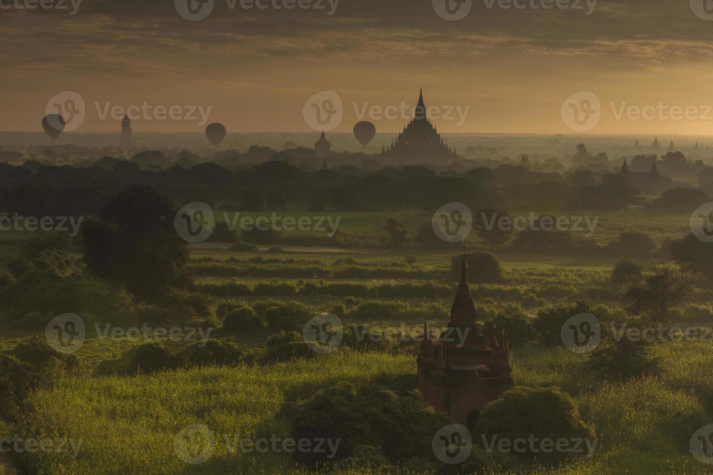 Ballon ai Bagan Sonnenaufgang, Myanmar foto