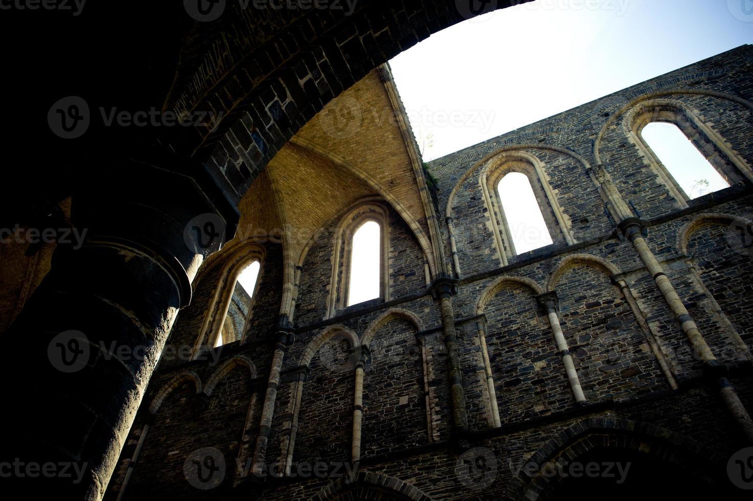 Abtei der Dorfbewohner la Ville, Kirchenruine foto
