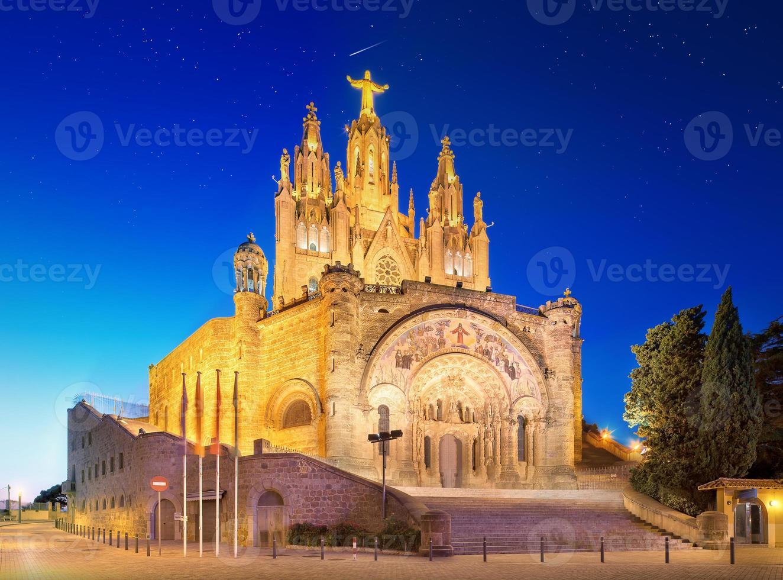 Tibidabo Kirche auf Berg in Barcelona foto