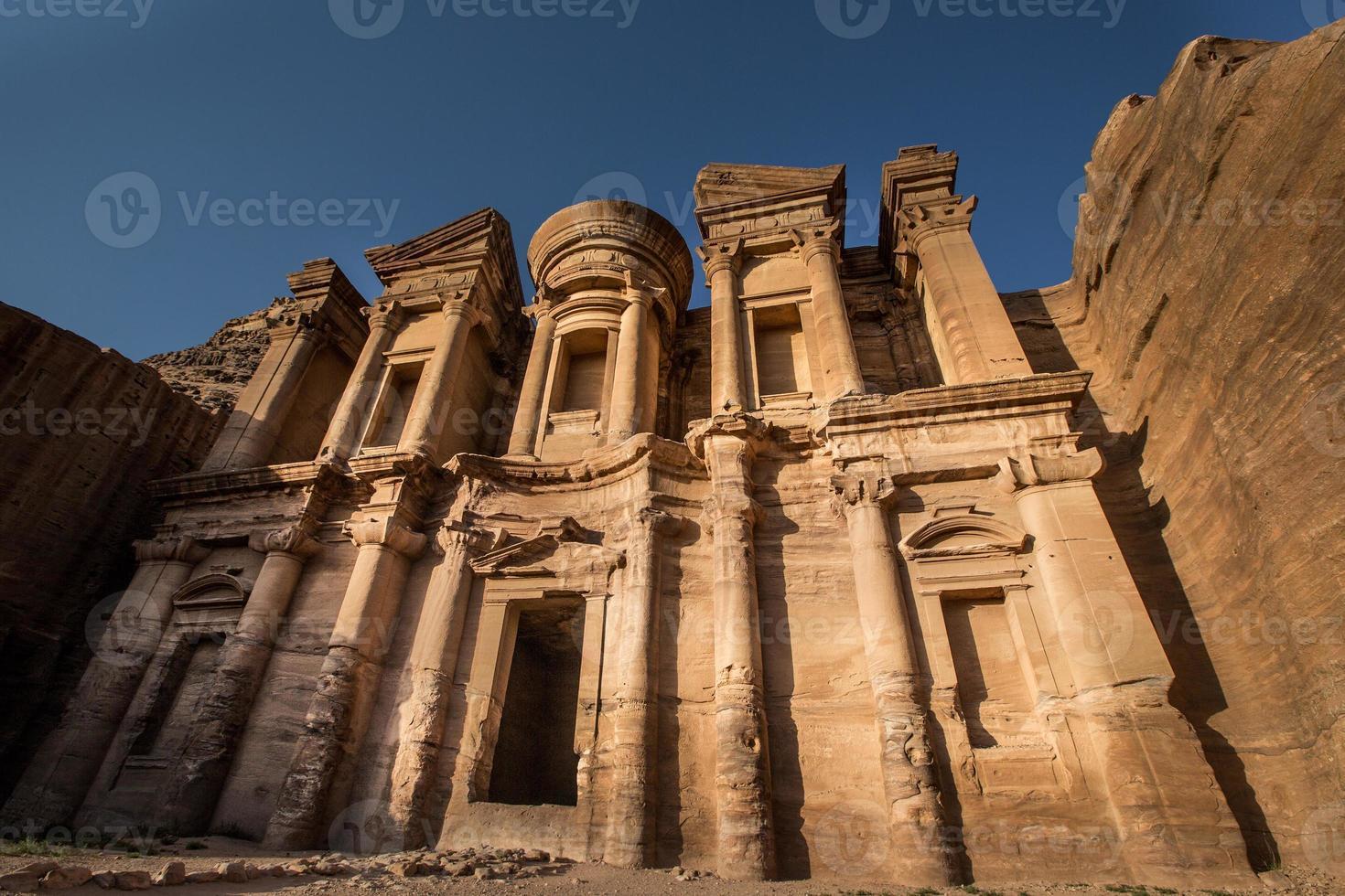 das kloster in petra, jordan foto