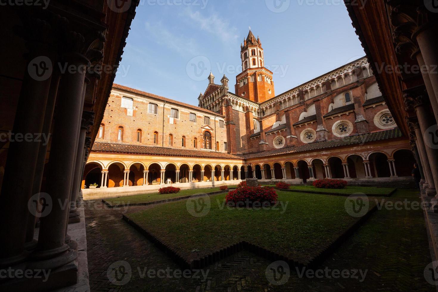 Chiostro della Basilica di Sant'andrea, Vercelli, Piemont, Italien foto