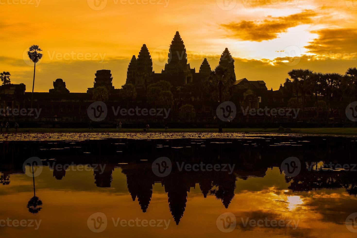 Sonnenaufgang bei Angkor Wat foto