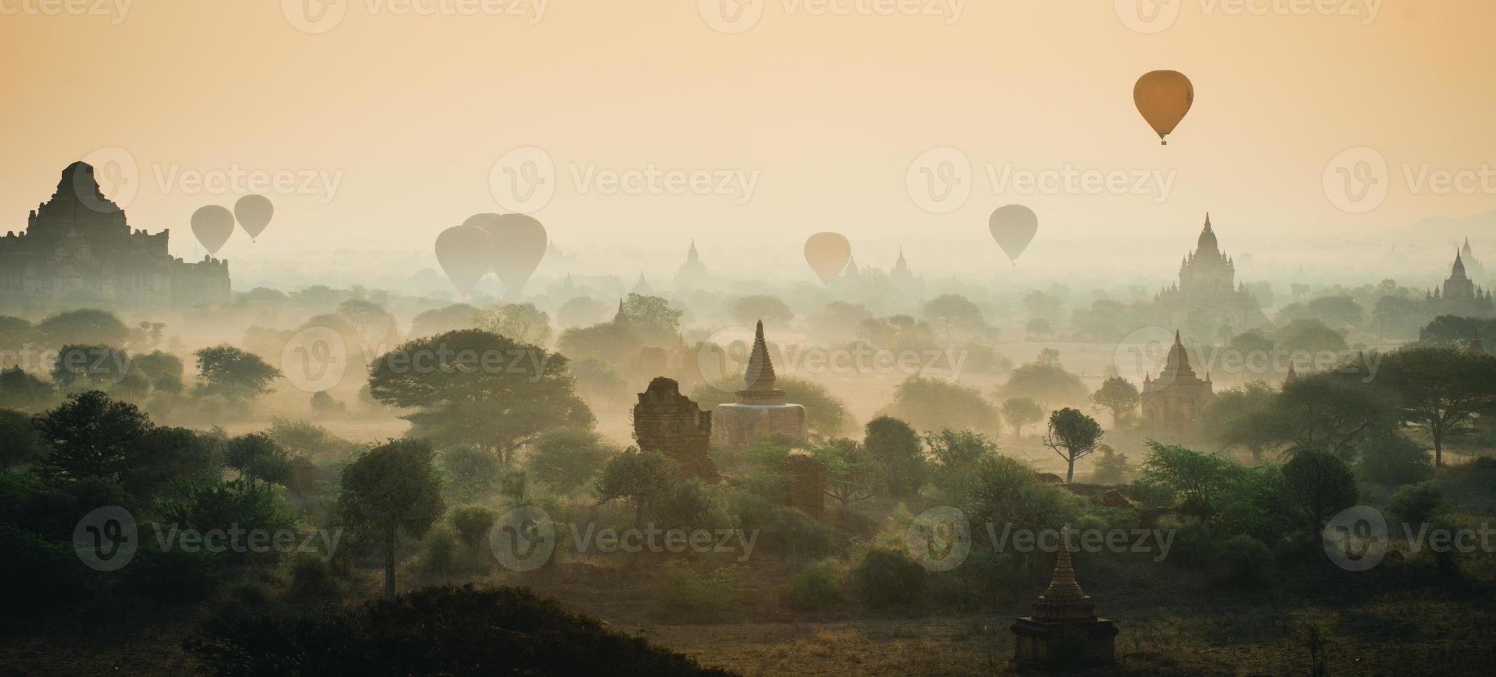 Sonnenaufgang in Bagan, Myanmar foto
