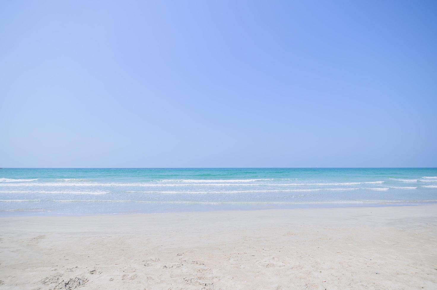 Blick auf den Strand von einer australischen Küste foto