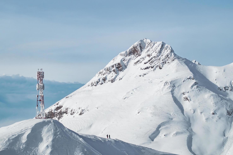 Schneeberge in krasnaya polyana, Russland foto