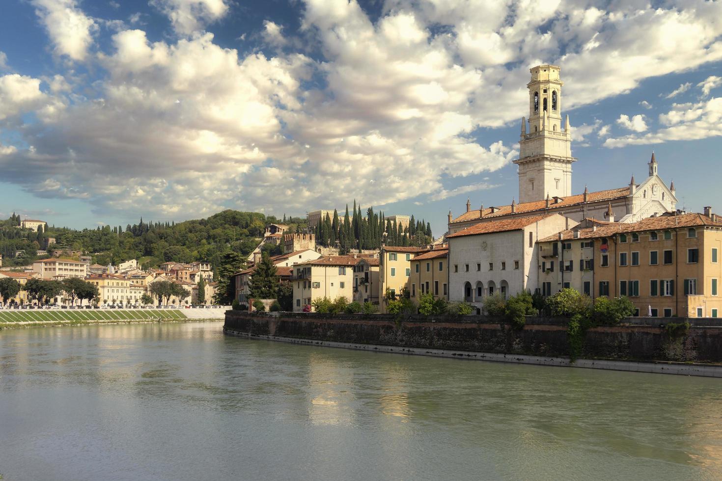 Blick auf die Stadt Verona foto