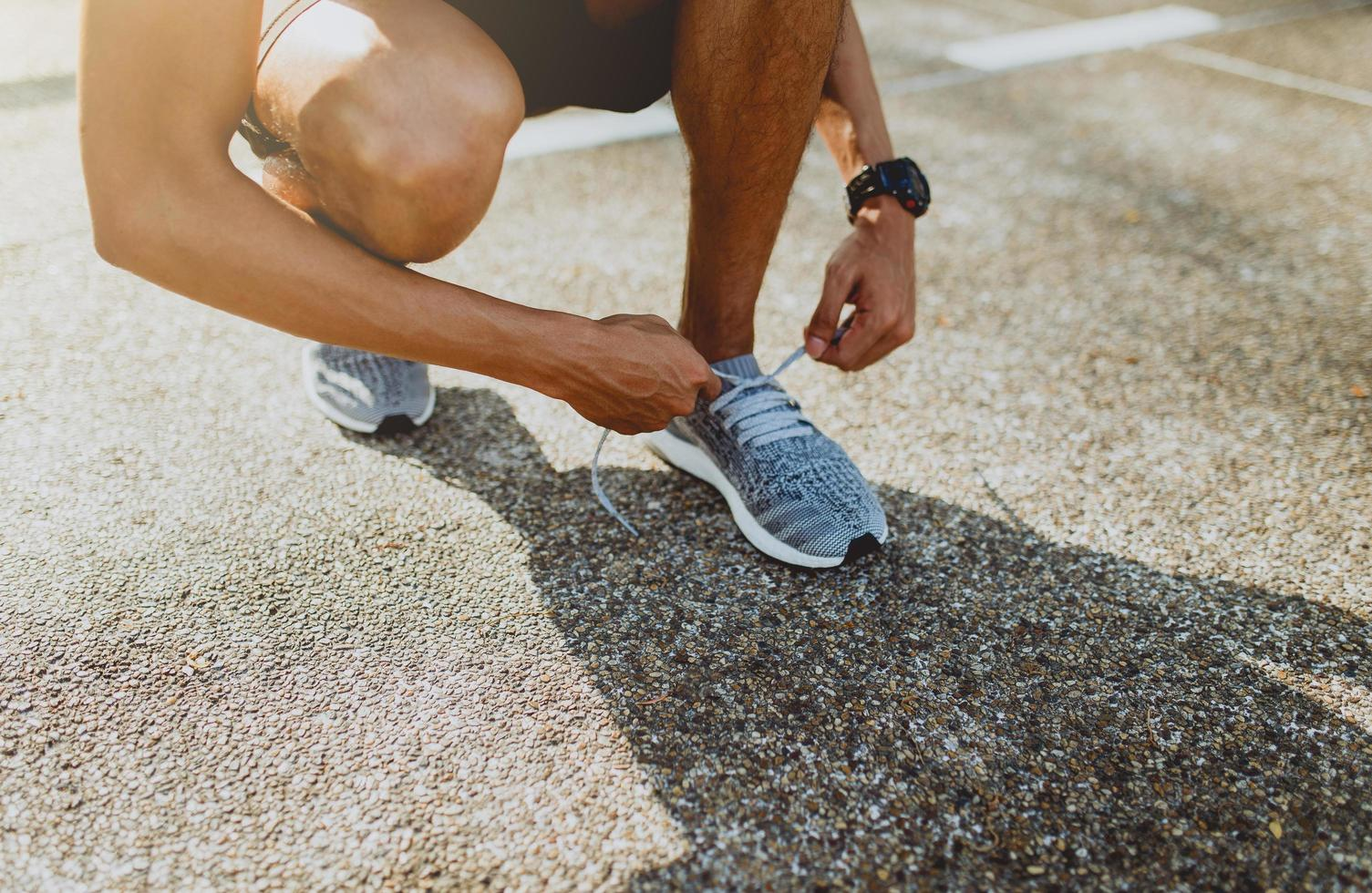Läufer Schnürsenkel binden foto