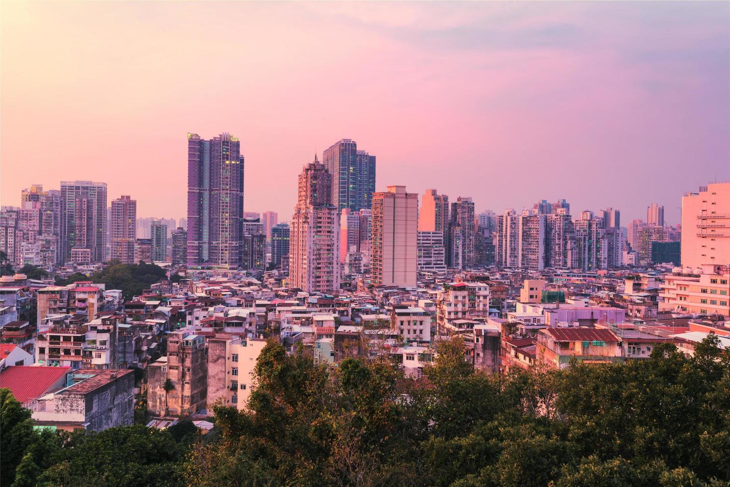 Blick auf die Stadt Macau in der Dämmerung foto
