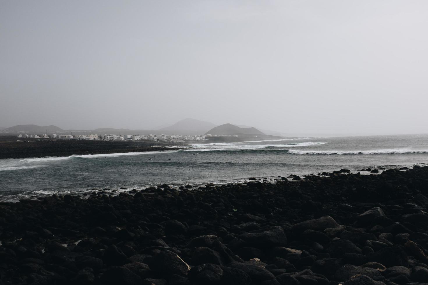 Ozean und Berge foto
