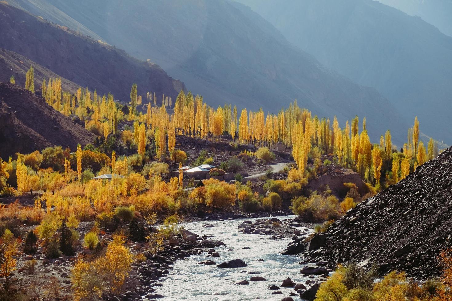 Herbstsaison im Hindukusch-Gebirge, Pakistan foto