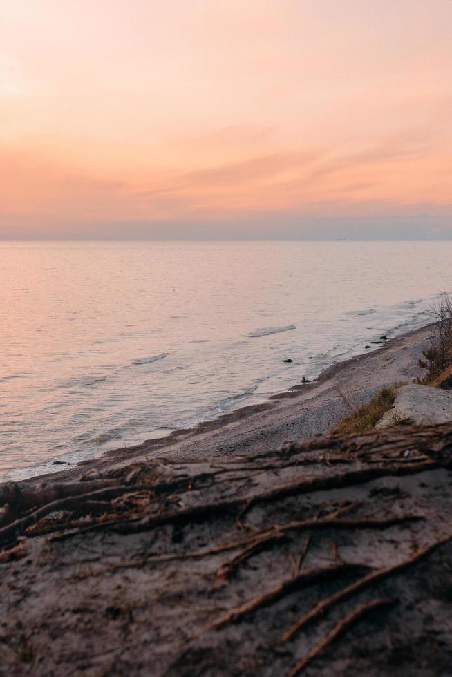 Ozeanküste bei Sonnenuntergang foto